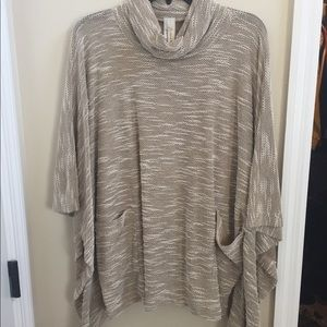 Adorable shrug by Love In. Size M